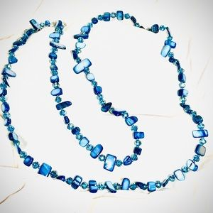 Exquisite beaded necklace. Blue and teal tones